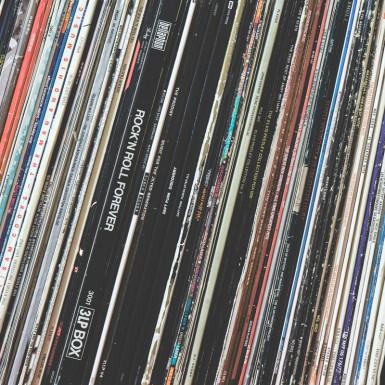 Eine Schallplattensammlung.