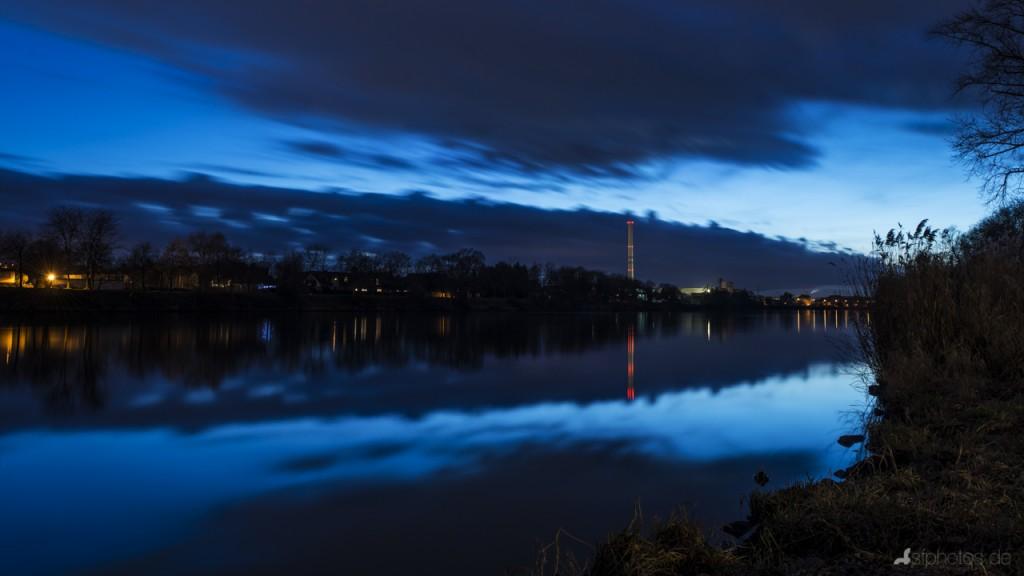 Der Main bei Aschaffenburg, kurz nach Sonnenuntergang